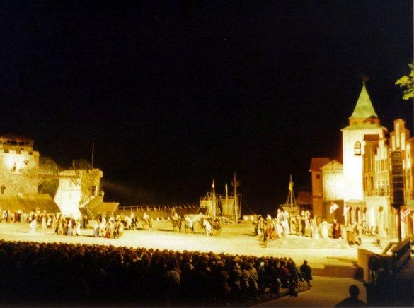 Stoertebecker Festspiele auf Ruegen-Abends-Foto-von-darkone-at-despammed-dot-de-wikipedia